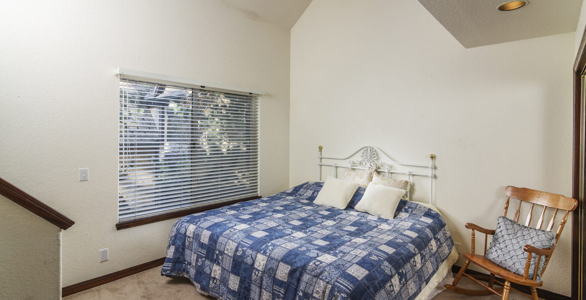 27603-meadowbay-bed-3