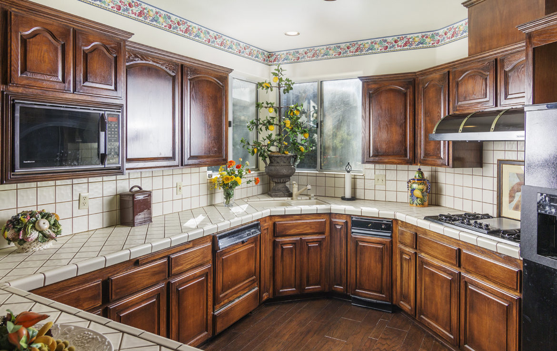 27603-meadowbay-kitchen