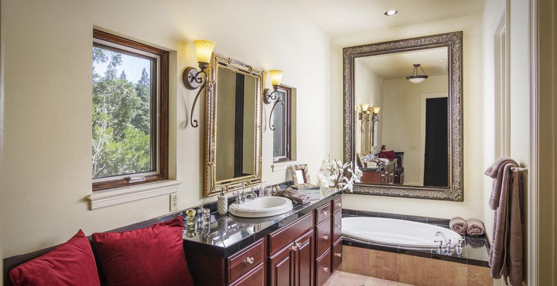 400-cedarridge-master-bath