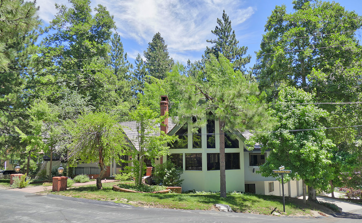 27768-highknoll-ext-front