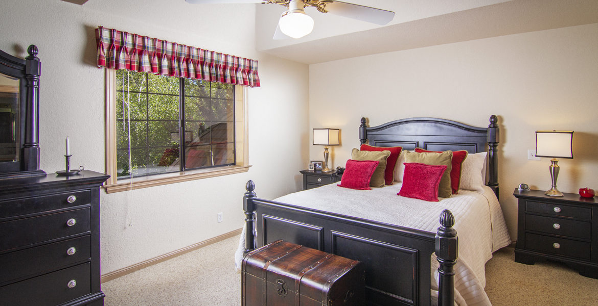 504-meadowbay-bed-2