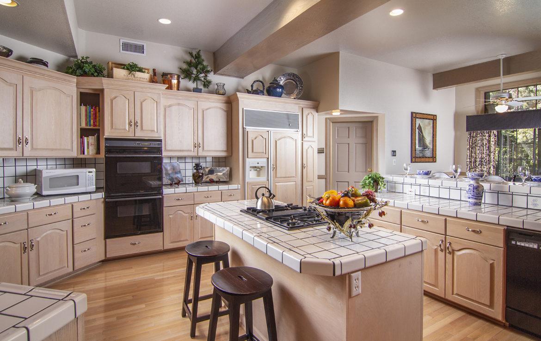 504-meadowbay-kitchen