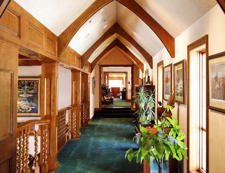 27417-n-bay-hallway