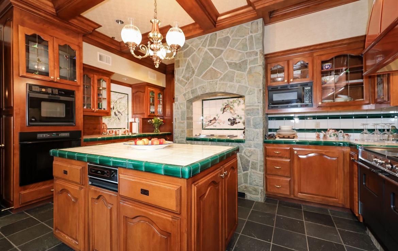 27417-n-bay-kitchen