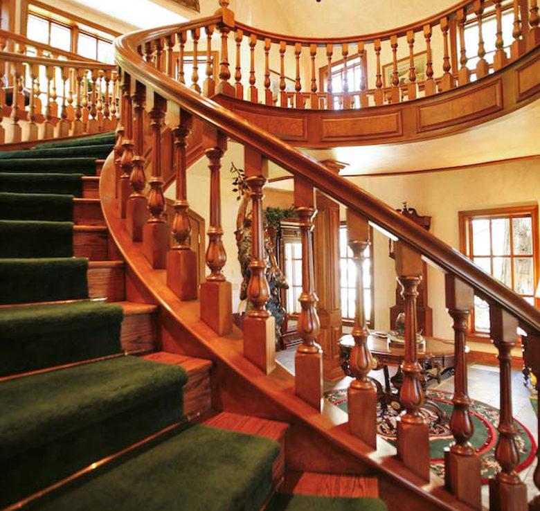 27417-n-bay-staircase