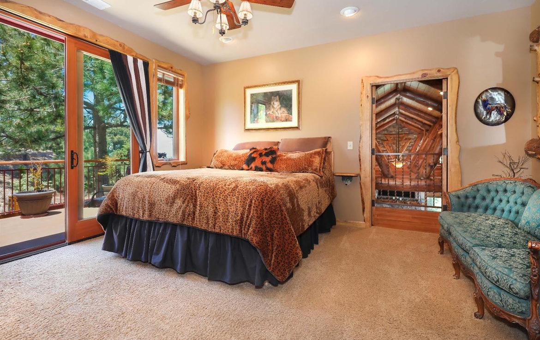 1011-black-oaks-bedroom3