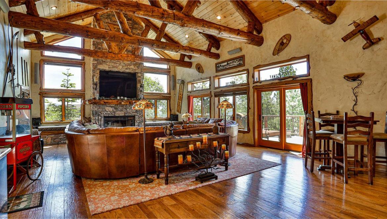 1011-black-oaks-livingroom