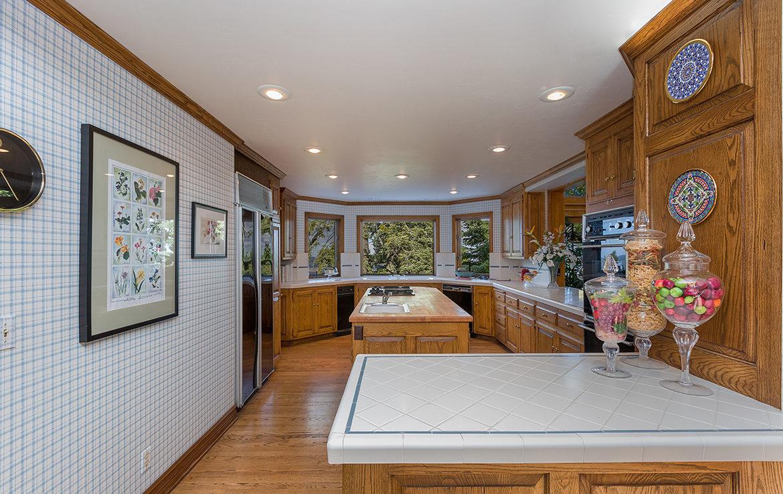 29082-bald-eagle-ridge-kitchen-b