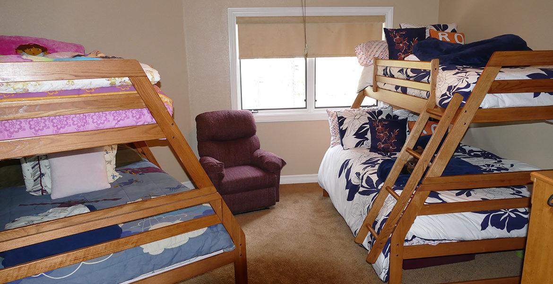 160-shorewood-bedroom3