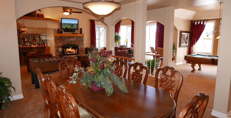 160-shorewood-dining