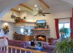 160-shorewood-livingroom