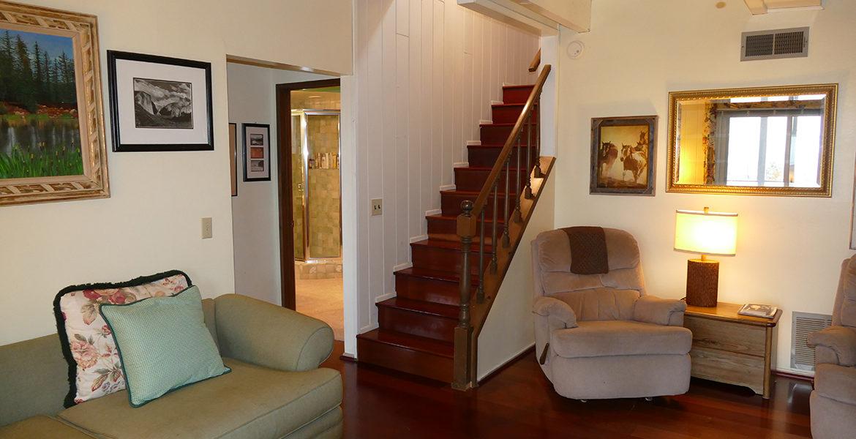 700-zurich-downstairs