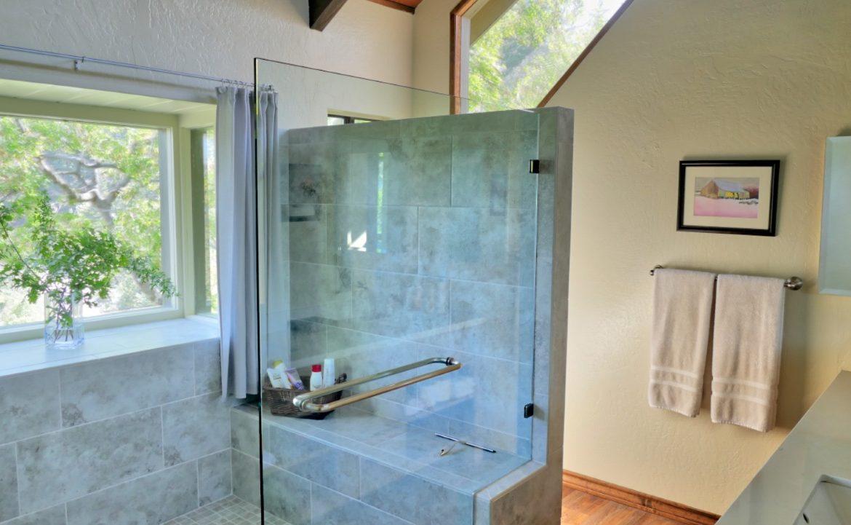 bathroom-third-floor-jpg