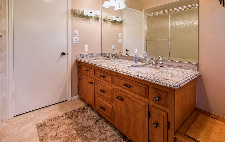 27566-west-shore-bathroom3