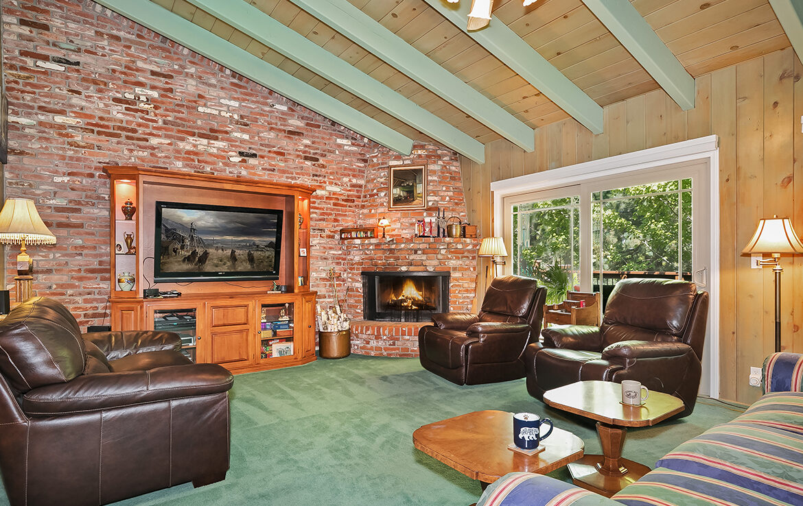 27566-west-shore-familyroom1