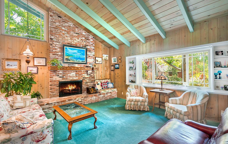 27566-west-shore-livingroom