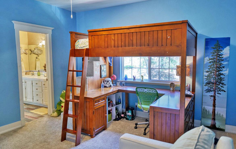 1191-yellowstone-bedroom1