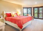 29130-bald-eagle-bedroom2