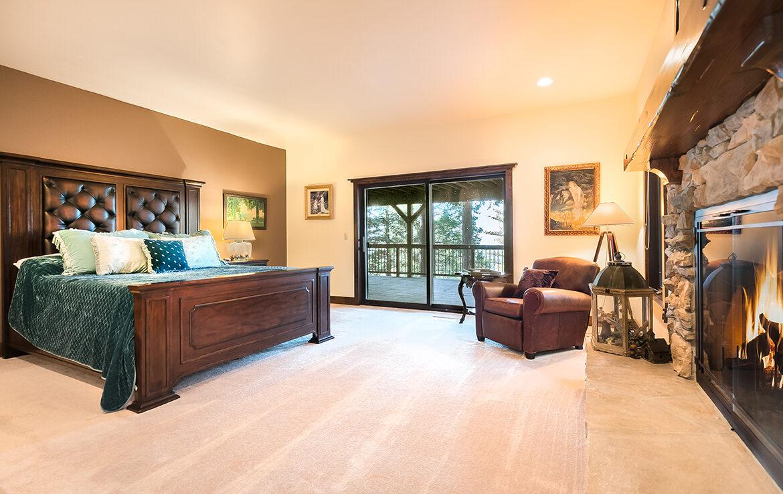 29130-bald-eagle-bedroom4