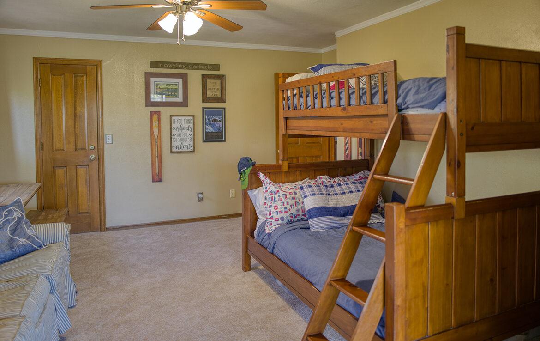 28662-zion-bedroom3