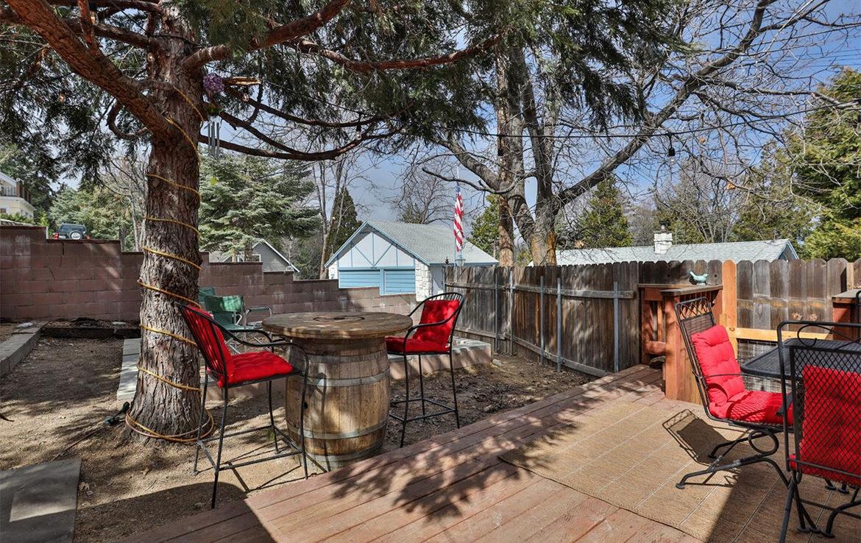 26498-alpine-backyard