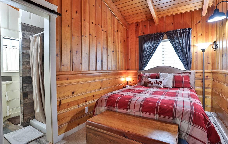 26498-alpine-bedroom-2