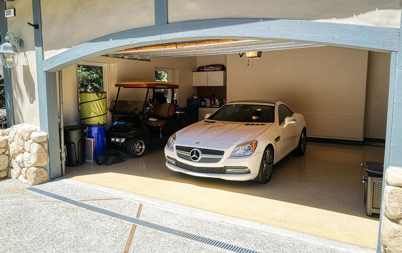 213fairway-garage2