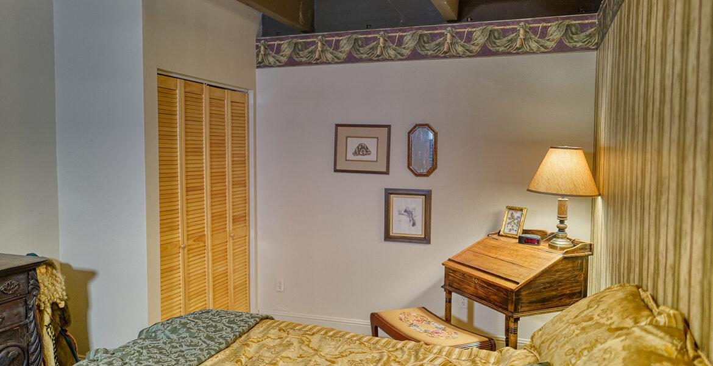 21775-vista-bedroom