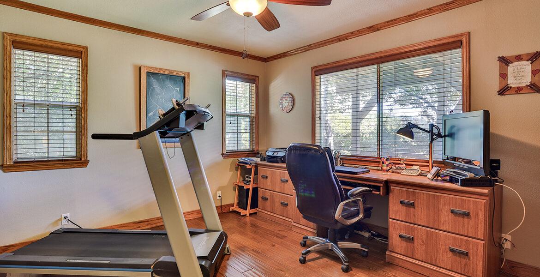 825-madera-office