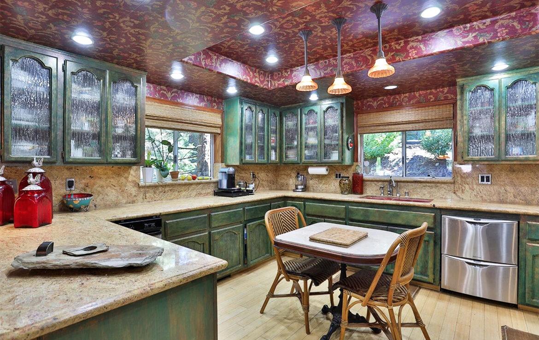 180-grass-valley_3-kitchen