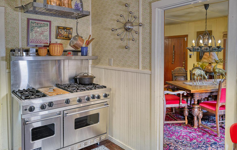 27090-st-hwy-189-kitchen
