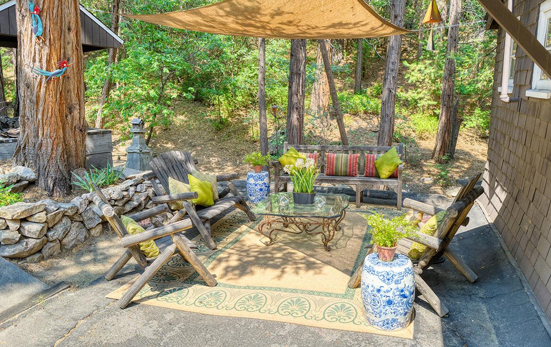 27090-st-hwy-189-patio