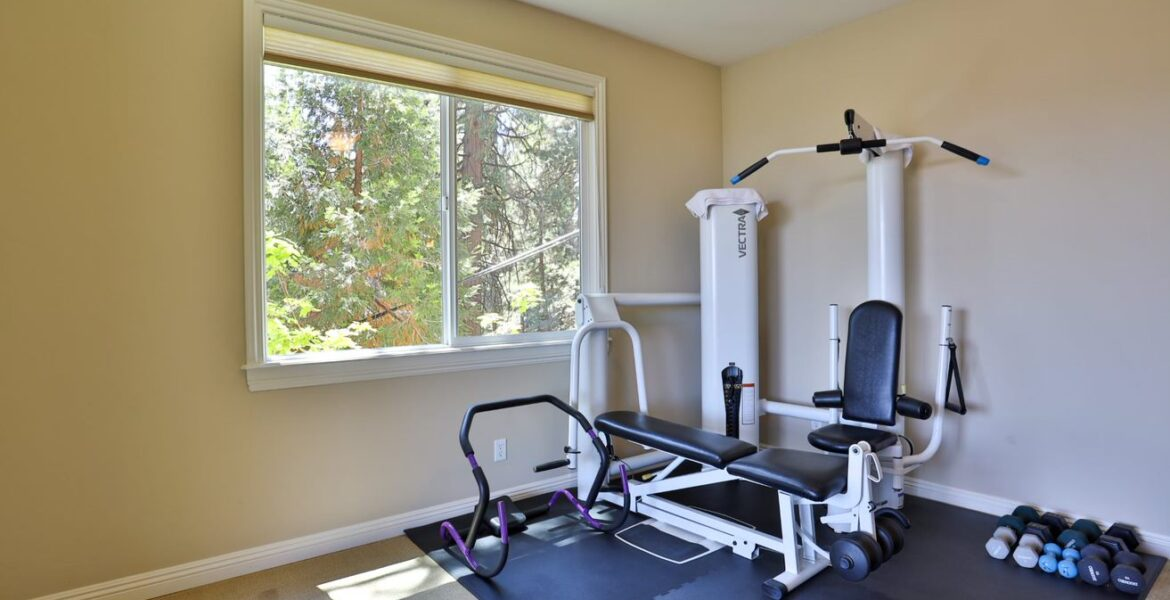 bedroom-3-exercise-rm-186-old-toll