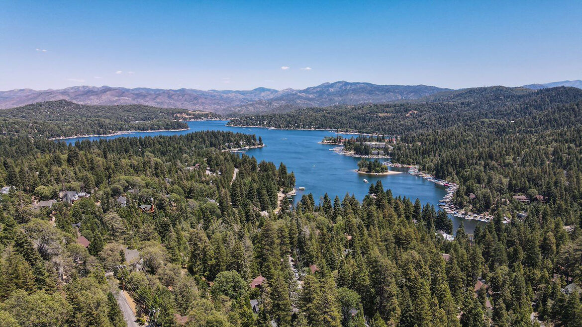 drone-shot-showing-distance-from-lake-186-old-toll