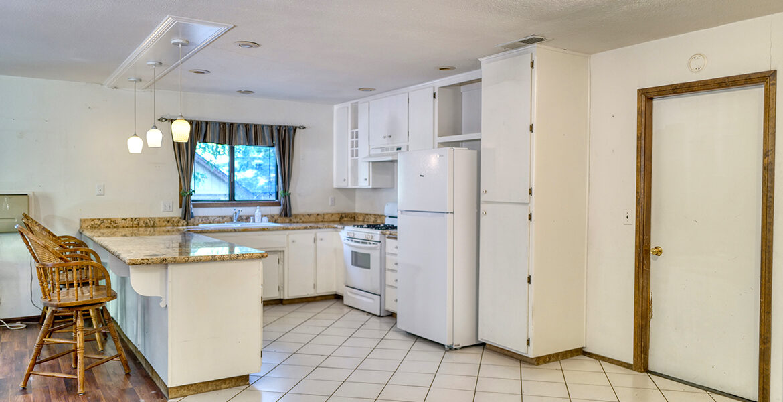 24716-finhaut-kitchen