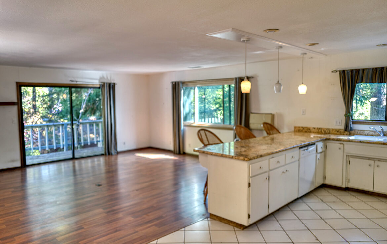 24716-finhaut-kitchen-dining